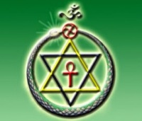 Potrivit invataturilor teosofice, toate religiile pot ajuta omenirea in vederea atingerii perfectiunii, deoarece fiecare religie detine doar o parte din adevar