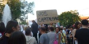 Jos-capitalismul-520x260