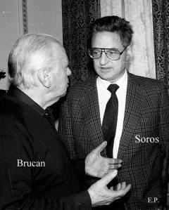 Silviu-Brucan-si-George-Soros-la-sediul-GDS-ian-1990-Foto-Emanuel-Parvu-3