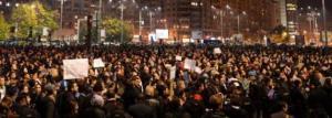 proteste-in-principalele-orase-din-tara-mii-de-oameni-scandeaza-impotriva-clasei-politice-din-romania-21251